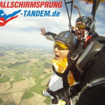 Tandemsprung am Fallschirm