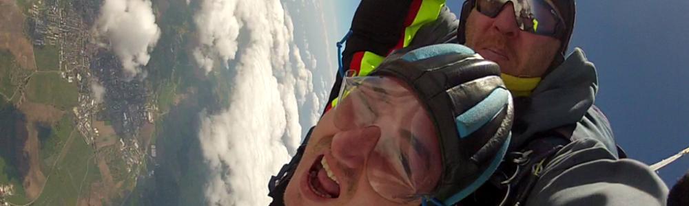 Fallschirmspringen aus welcher Höhe?